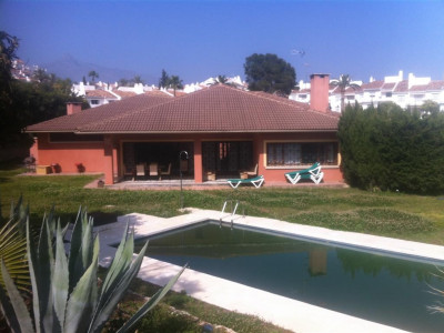 Nueva Andalucia, Majestic villa located in Nueva Andalucia near Puerto Banus and all amenities
