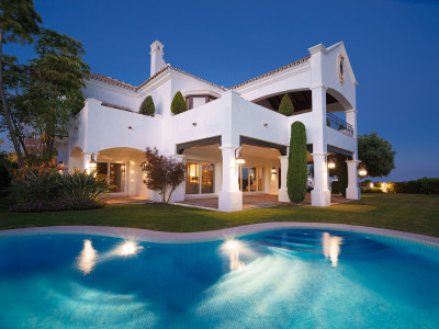 Benahavis, Wonderful 5 bedroom villa for sale in Capanes, Benahavis