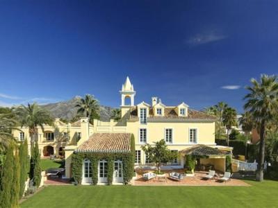 Marbella, Magnificent villa located in the centre of the Nueva Andalucia Golf Valley
