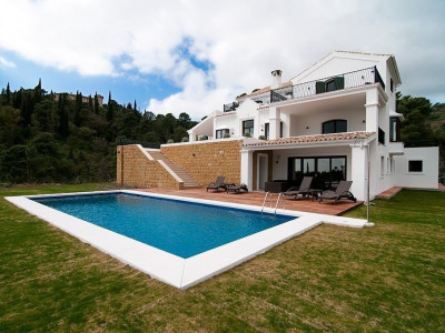 Villa  for sale in  El Madroñal - Benahavis Villa