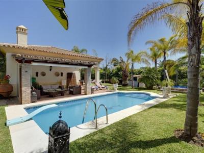 Villa  for sale in  Nueva Andalucia - Nueva Andalucia Villa