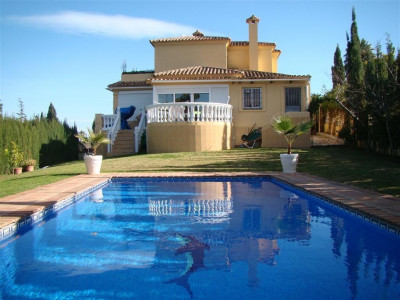 Nueva Andalucia, Lovely 3 bedroom family villa in the hear of Nueva Andalucia