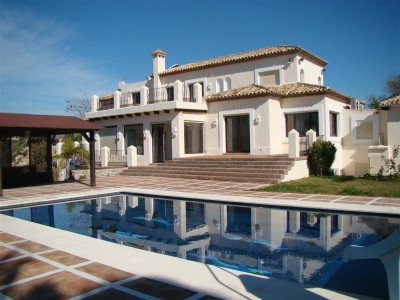 Villa  for sale in  Selwo - Estepona Villa