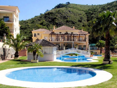 Benahavis, Superb 4 star hotel for sale in Benahavis, close to Marbella
