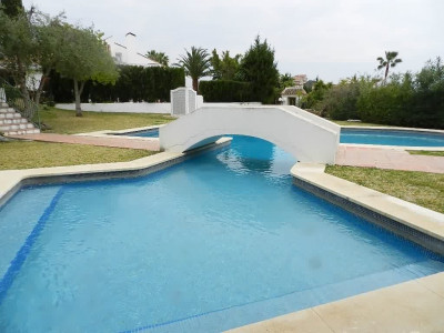 Nueva Andalucia, Villa with great rental potential for sale in Nueva Andalucía