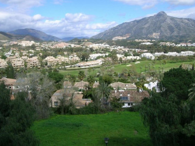 Nueva Andalucia, Spacious 3 bedroom apartment in La Corniche, Nueva Andalucia