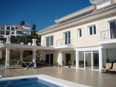 Marbella, Three-story villa for sale in Marbella, Costa del Sol