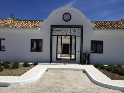 Estepona, Cortijo completely renovated with almost 9.000m2 plot