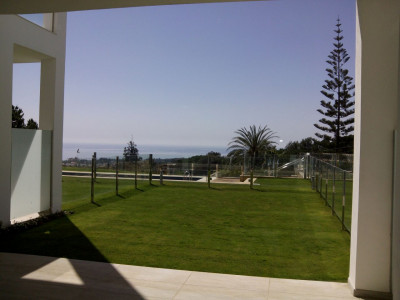 Marbella Golden Mile, 3 bedrooms semi-datached house with spectacular sea views in Marbella