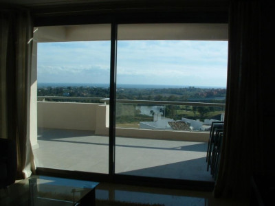 Benahavis, Fantastic 2 bedrooms apartment with sea and golf views in the luxury complex