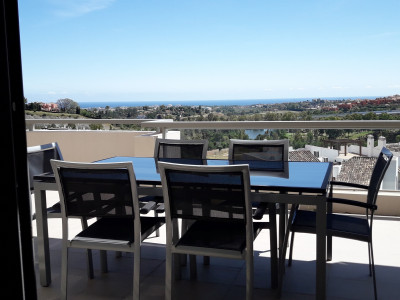 Benahavis, 3 bedroom apartment with fantastic sea views