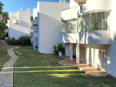 Ground Floor Apartment en venta en Estepona Golf, Estepona