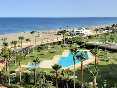 Manilva,FANTASTIC VIEWS ** FIRST LINE BEACH PENTHOUSE  ** GREAT LOCATION **