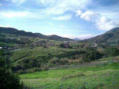 Finca for sale in Estepona Hills