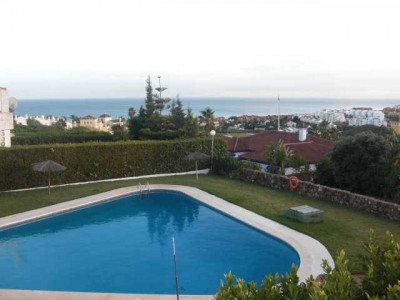 Town House for sale in La Duquesa Golf