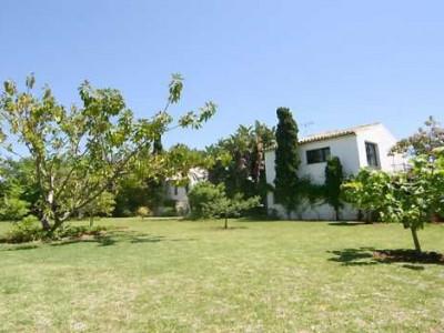 Villa en alquiler en Estepona