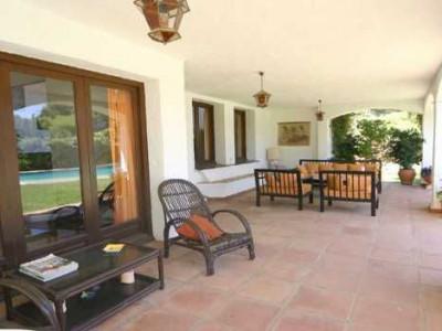 Villa for rent in Estepona