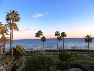 Estepona,FANTASTIC FRONT LINE BEACH APARTMENT++ALCAZABA BEACH ESTEPONA++PRIME LOCATION