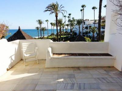 Apartment en venta en Alcazaba Beach, Estepona