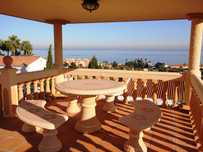 Manilva,Immaculate Villa with Stunning Sea Views