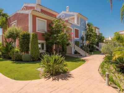 Apartment en venta en New Golden Mile, Estepona