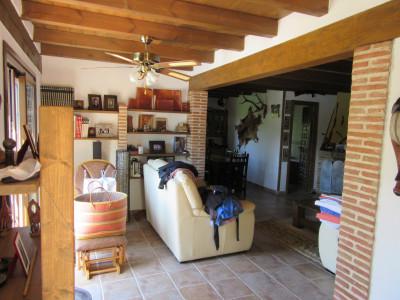 Villa en venta en La Alberdina, Estepona