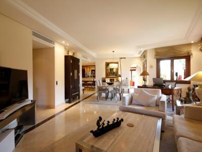 Квартира на нижнем этаже en venta en Torre Bermeja, Эстепона