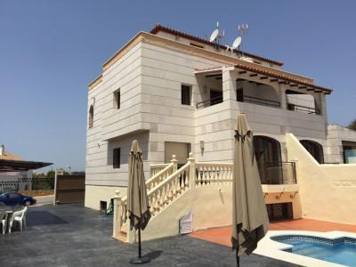 Town House for sale in Torrequebrada, Benalmadena