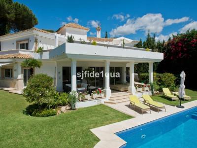 Villa for sale in Los Monteros - Marbella East Villa - TMRV0690