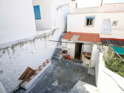 Town House for sale in Estepona