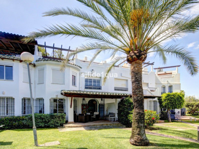 Town House for sale in Nueva Andalucia - Nueva Andalucia Town House - TMRT0807