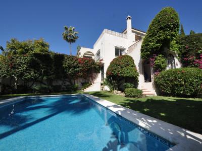 Villa for sale in Nueva Andalucia - Nueva Andalucia Villa - TMRO-R3399115