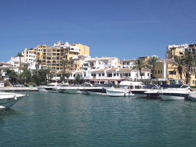 Apartment for sale in Cabopino - Marbella East Apartment - TMRO-R134047