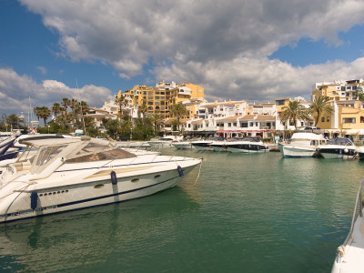 Commercial Premises for sale in Cabopino - Marbella East Commercial Premises - TMRO-R130140