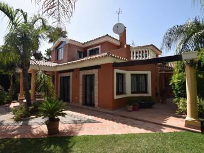 Villa for sale in Nueva Andalucia - Nueva Andalucia Villa - TMRO-R3104492