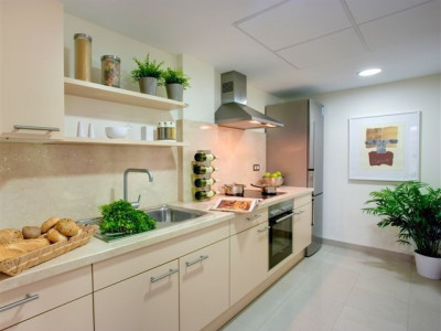Ground Floor Apartment for sale in New Golden Mile, Estepona