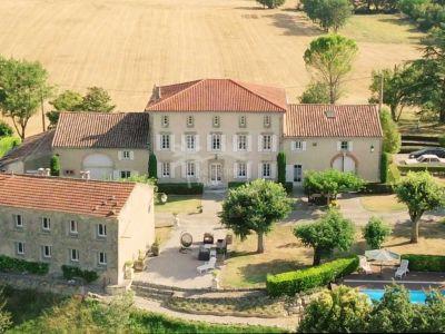 Hacienda en Saint-Julia