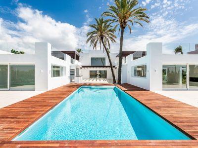Villa in Las Chapas, Marbella