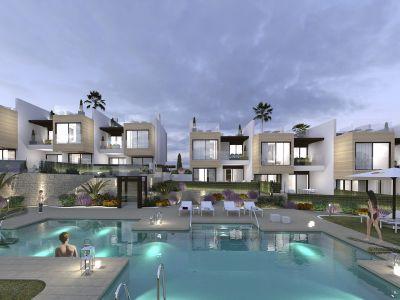 Schlüsselfertige Doppelhaushälften in Nueva Andalucía, Marbella