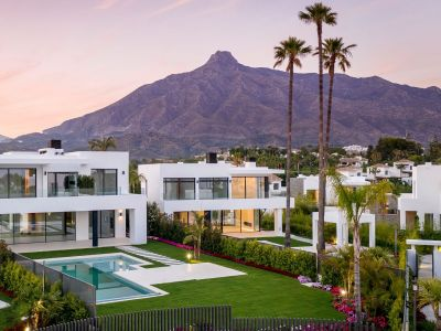 Gated Community of 8 Stunning Villas in the Best Location on the Golden Mile