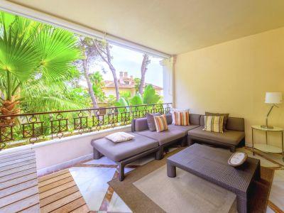 Marbella, Los Monteros, Magnificent apartment for sale in frontline beach complex