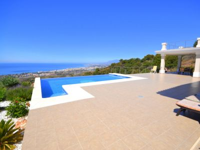 Marbella, Los Monteros, Newly built villa for sale with spectacular views