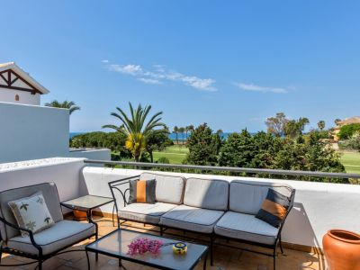 Penthouse with sea and golf views in Los Monteros Palm Beach Marbella
