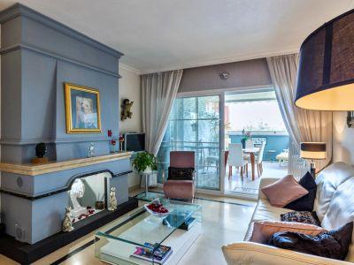 Grosszügiges Garten-Duplex-Apartment in Nueva Andalucía
