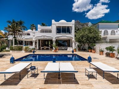 Villa with breathtaking sea views in Marbella Hill Club