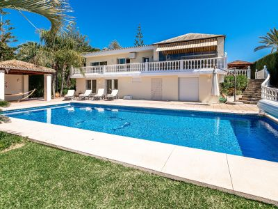 Charming villa with nice views in Elviria
