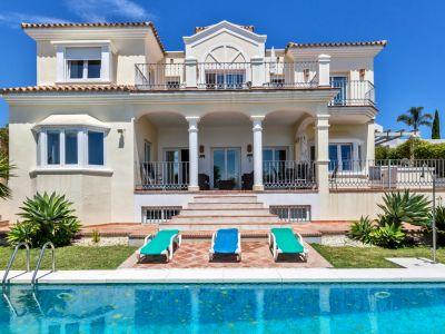 Encantadora villa in ubicación privilegiada en Nueva Andalucía