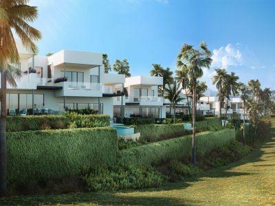 Luxury villas with sea views in Santa Clara Golf Marbella