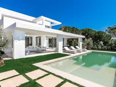 Una villa nueva y elegante junto a la playa