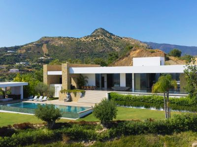 Hochmoderne Villa direkt am Golfplatz mit Panoramameerblick, Marbella Club Golf Resort